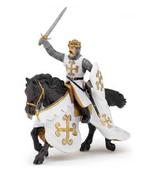 Конь рыцаря с мечом в кольчуге