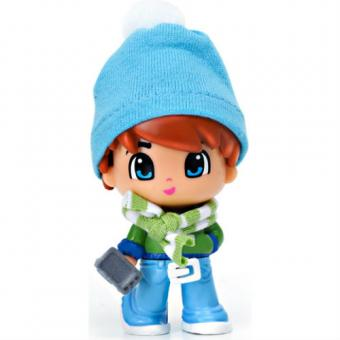 Кукла Пинипон в зимней одежде рыжие волосы