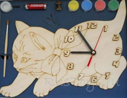 Часы деревянные с циферблатом под роспись Кошка