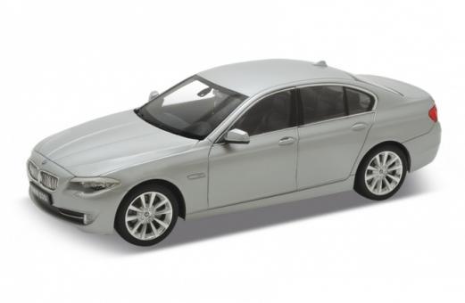Mодель машины 1:24 BMW 535I